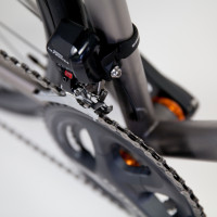 Titanium dirt road bike. Shimano Ultegra Di2, Stans/King wheels with Enve fork.