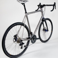 Custom Blend titanium gravel bike with clearance for 44mm tires, King/Hed wheels and Shimano Ultegra Di2 components.