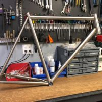 Double butted titanium cyclocross frame. Features internal (IS) headutbe, flat-mount brakes, internal brake routing and Syntace dropouts.